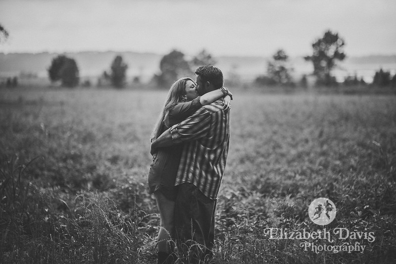 forest engagement session in Tallahassee by Elizabeth Davis Photography