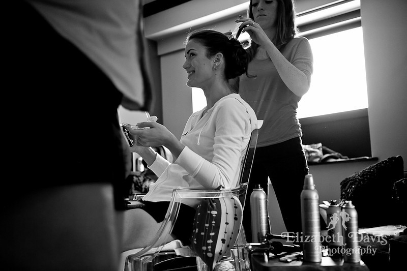 Tallahassee photographer bride getting ready hotel duval
