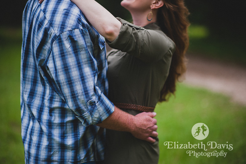 woodland forest engagement session in Tallahassee by Elizabeth Davis Photography
