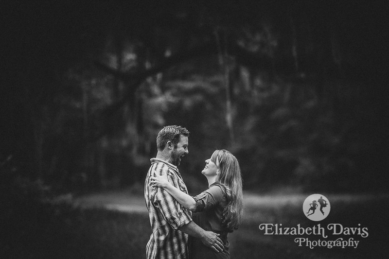 woodland engagement session in Tallahassee by Elizabeth Davis Photography