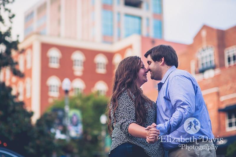 Downtown Tallahassee photos | Kleman Plaza engagement session | Elizabeth Davis Photography